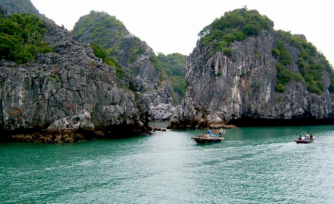 Lan Ha bay - Cat Ba island 4 days