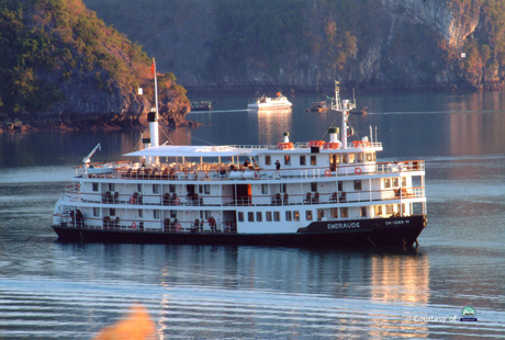 Classic Emeraude Cruise Halong bay