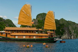 Huong Hai junk with 7 cabins